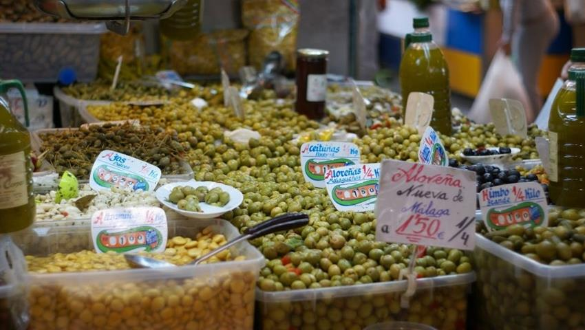 fresh olives in the market - tiqy, Malaga: Walk and Taste
