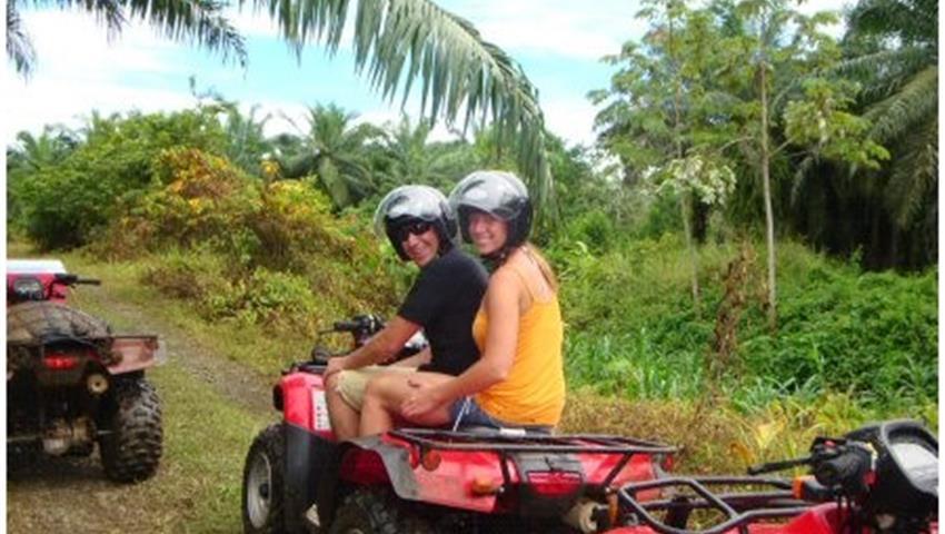 Four wheel, 4 Horas de Aventura de ATV en Manuel Antonio