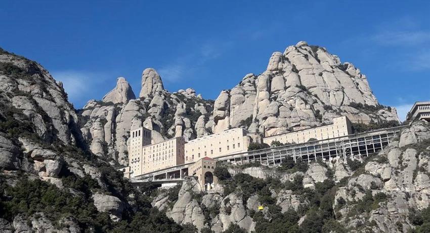 Panoramic view of monserrat, Montserrat Tapas and Wine