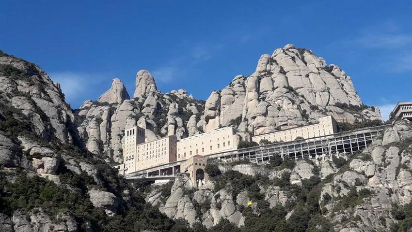 Panoramic view of monserrat, Tapas y Vino en Montserrat