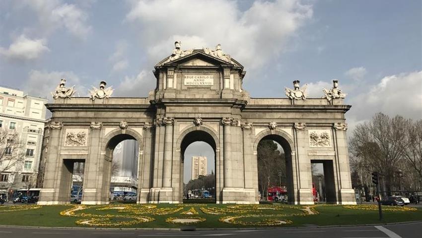 2, Monumental Madrid