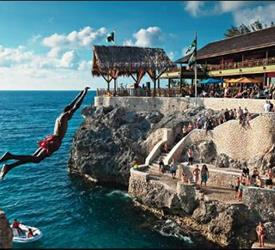 Negril Beach and Ricks Cafe Cliff Jumping Experience
