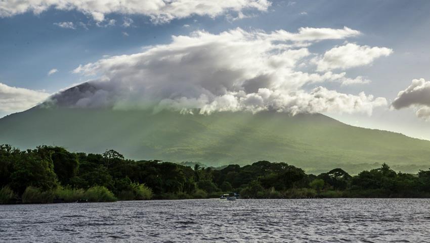1, Caminata en el Volcán Mombacho