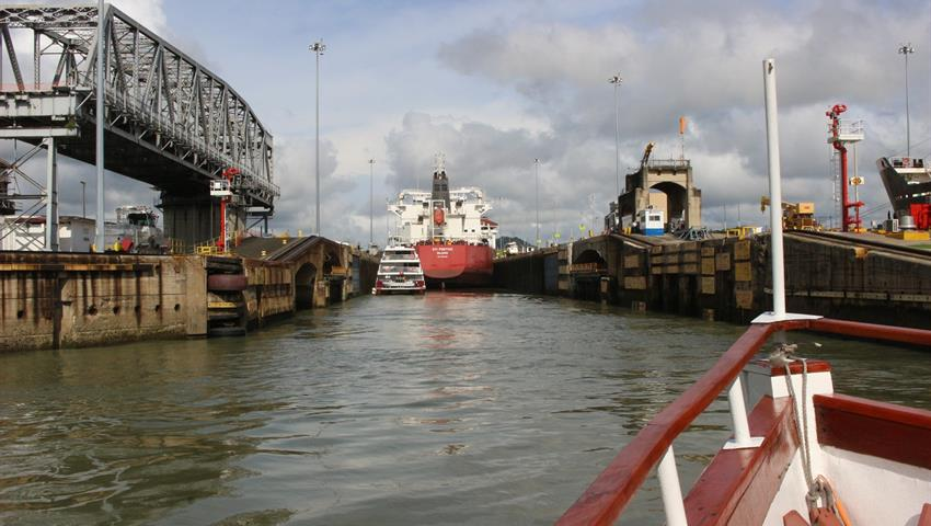 transit through the panama canal - tiqy, Ocean to Ocean Tour through the Panama Canal