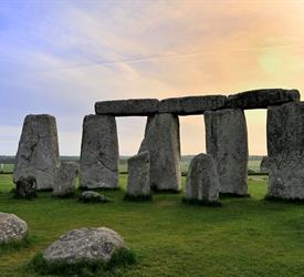 One Day Trip in Stonehenge and Bath