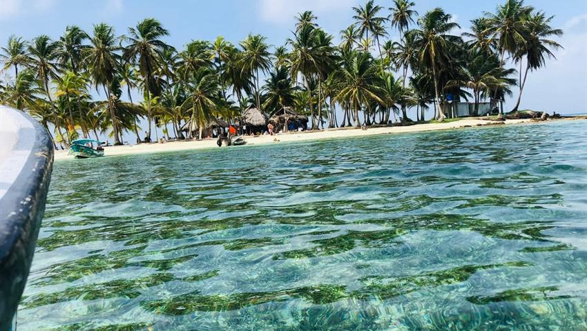 Cayos Limones, 1 Night 2 Day Camping Tour in Cayos Limones from Panama City