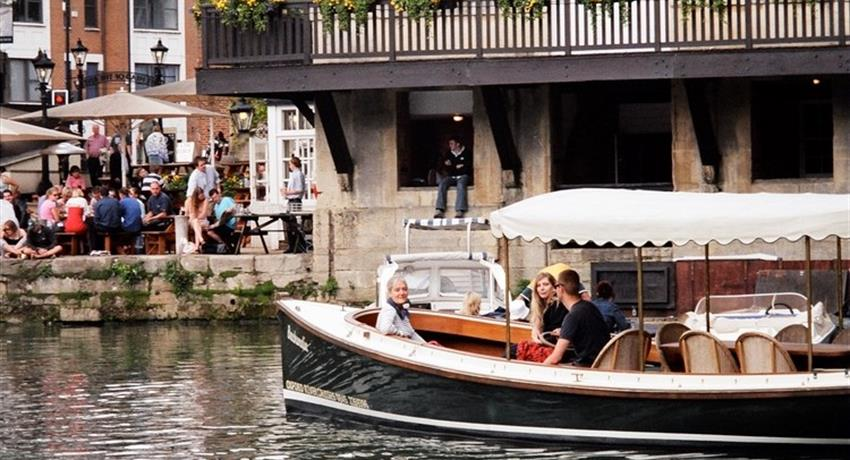 Oxford Experience Cruise, Oxford Experience Cruise