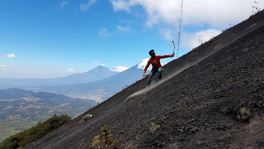 4, Pacaya Volcano Sanboard Roundtrip