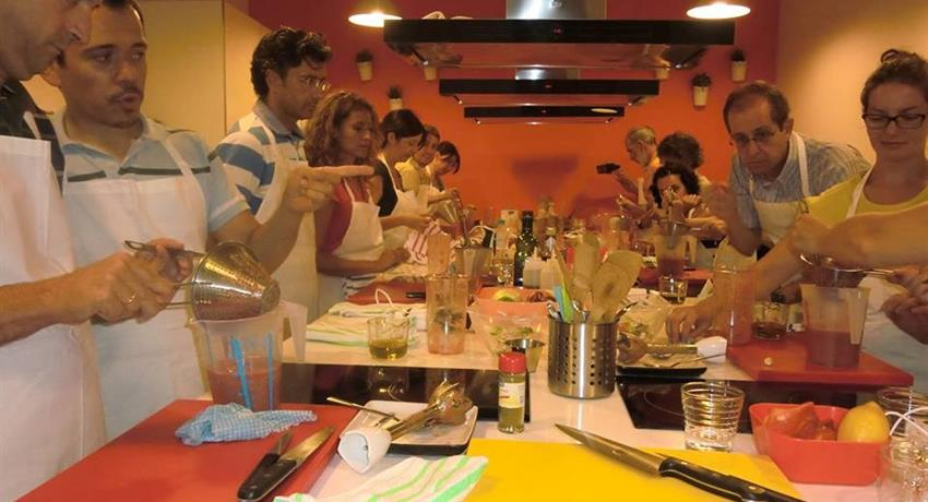 Clases de cocina española paella, Spanish Paella Cooking Class