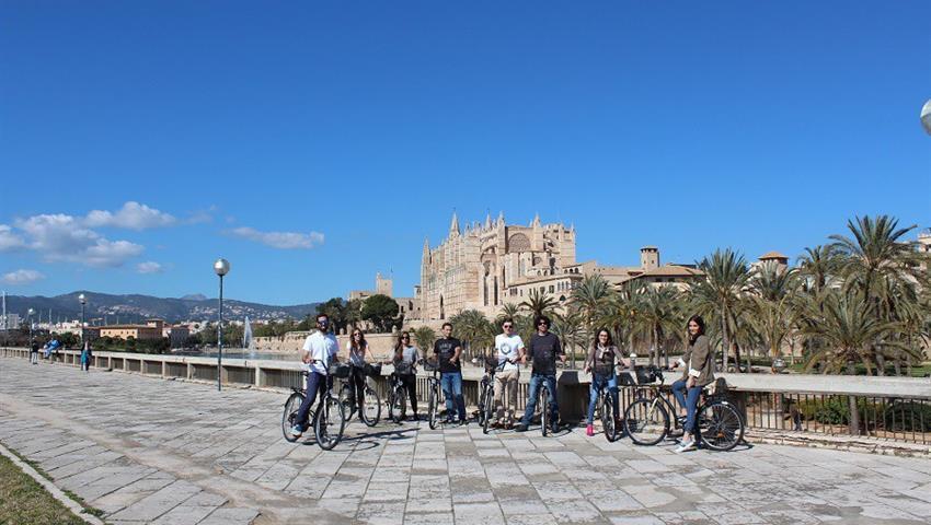 Palma Old Town Bike Tour, Tour en Bicicleta por el Casco Antiguo de Palma