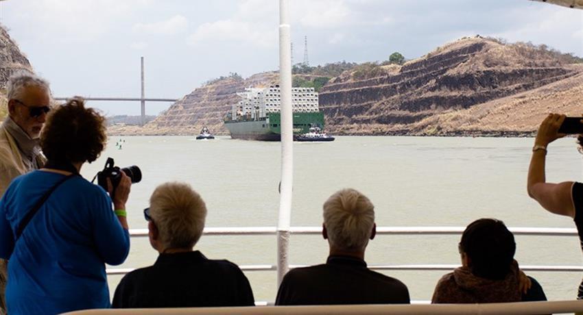 PANAMA CANAL PARTIAL TRANSIT SOUTHBOUND TOUR 3, Panama Canal Partial Transit Southbound Tour