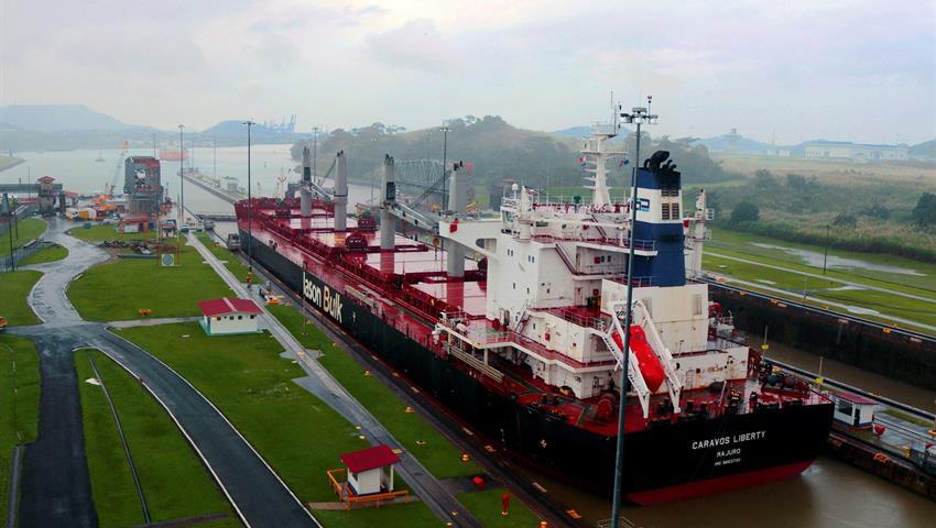Panama Canal Miraflores Locks - Ship crossing, Panama City Tour and The Canal Locks (Miraflores)