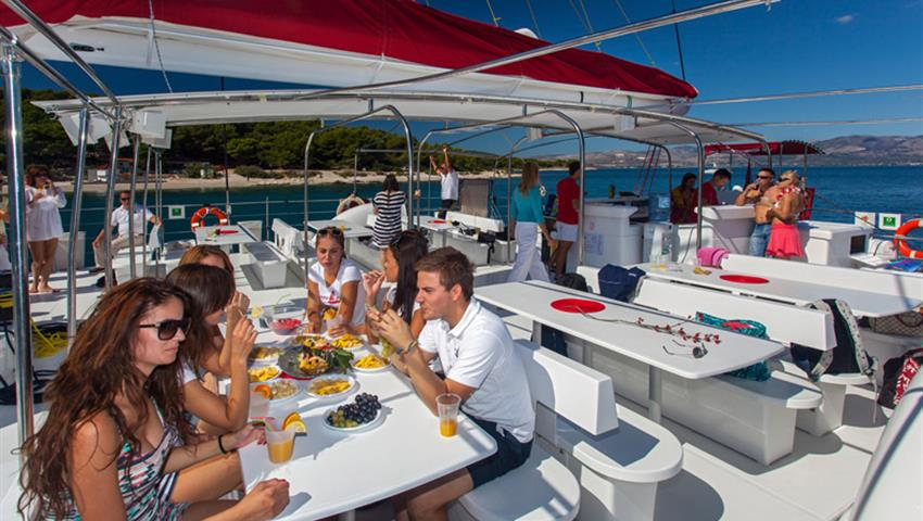 3, Catamaran All Inclusive to Taboga Island