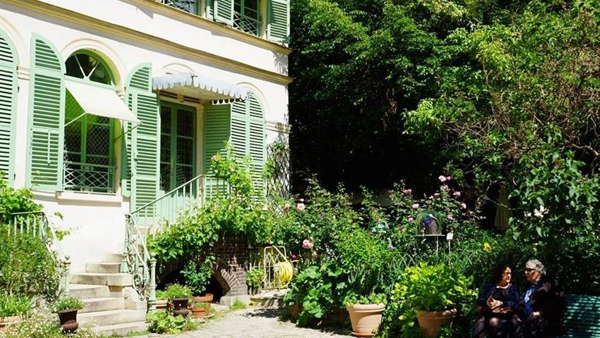 Amazing Experience, Paris Through the Ages Walking Tour