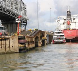 Transito Parcial por el Canal de Panamá, Tours Del Canal De Panamá en Panamá
