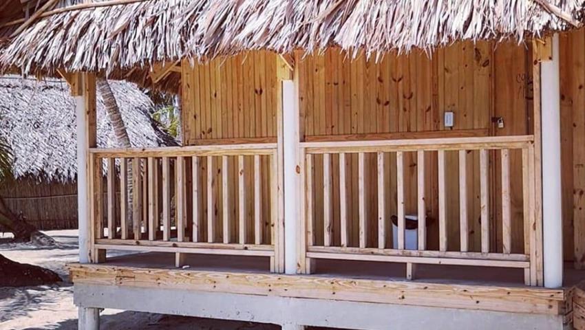 Perro Chico Cabanas 3, Isla Perro Chico 1 Noche 2 Días Tour desde la Ciudad de Panamá