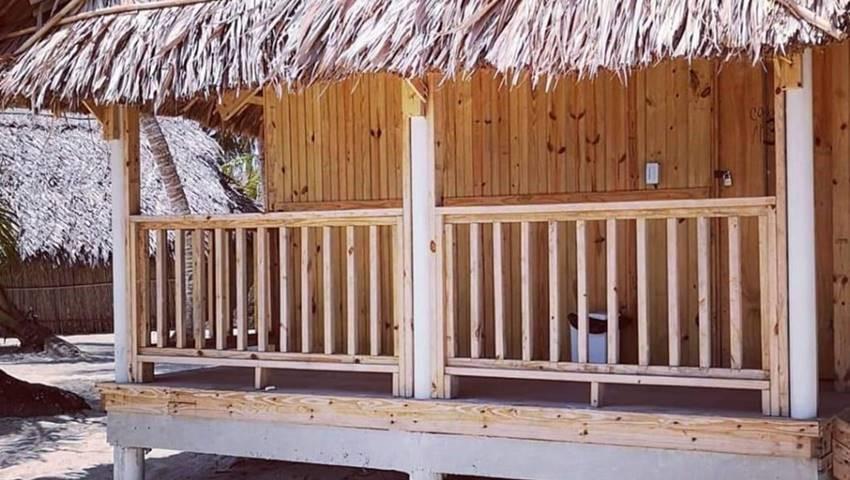 ISLA PERRO CHICO1NIGHT2DAYTOURFROMPORTCARTI, Isla Perro Chico 1 Night 2 Day Tour from Port Carti