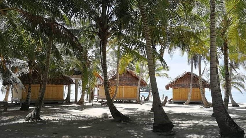 ISLA PERRO CHICO1NIGHT2DAYTOURFROMPORTCARTI2, Isla Perro Chico 1 Night 2 Day Tour from Port Carti