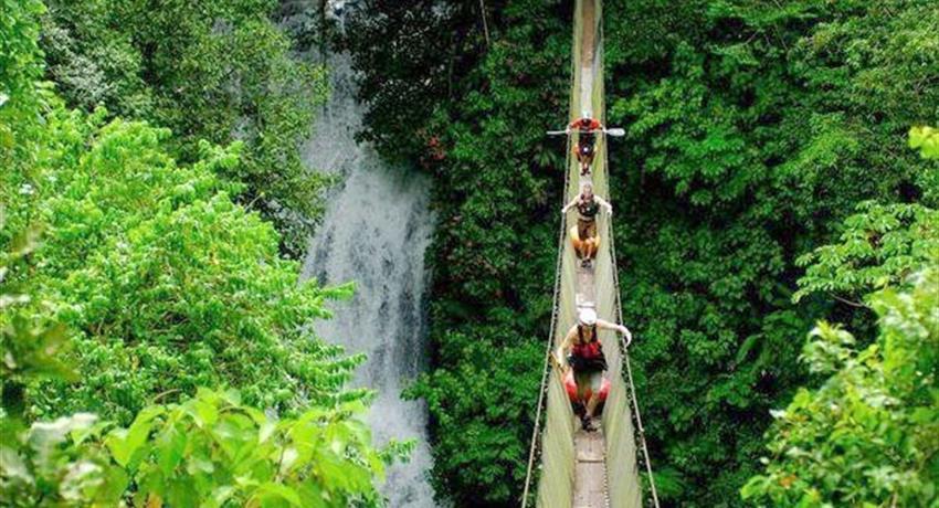 The Great Waterfall, Rainmaker Park Walking tour