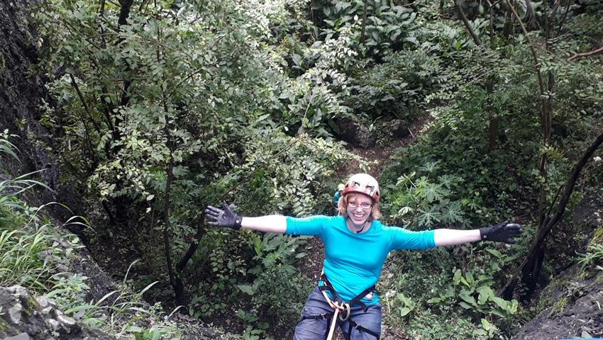 Rappel Adventure in the City, Rappel Tour in Panama City with Transportation Included