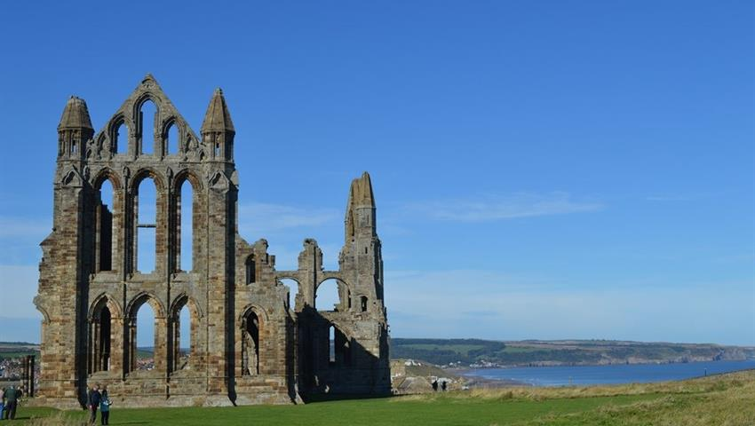 Robin Hoods Bay, Whitby and The Moors - Tiqy, Robin Hoods Bay, Whitby and The Moors