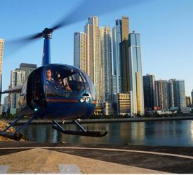 Tour en Helicóptero Robinson 44 Raven en la Ciudad de Panamá