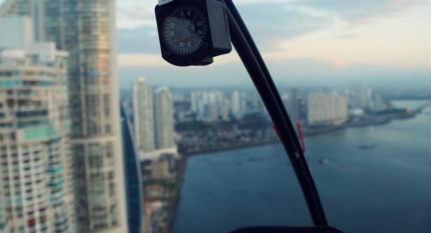 ROBINSON 44 RAVEN HELICOPTER PANAMA CITY TOUR 4, Robinson 44 Raven Helicopter Panama City Tour