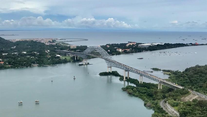 ROBINSON 66 HELICOPTER PANAMA CITY TOUR 2, Robinson 66 Helicopter Panama City Tour