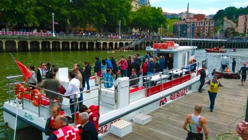Saling through the Nervion River - Tiqy, Sailing Bilbao