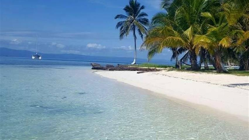 playa turismo a san blas, Tour de un día completo a las islas de San Blas desde la ciudad de Panamá