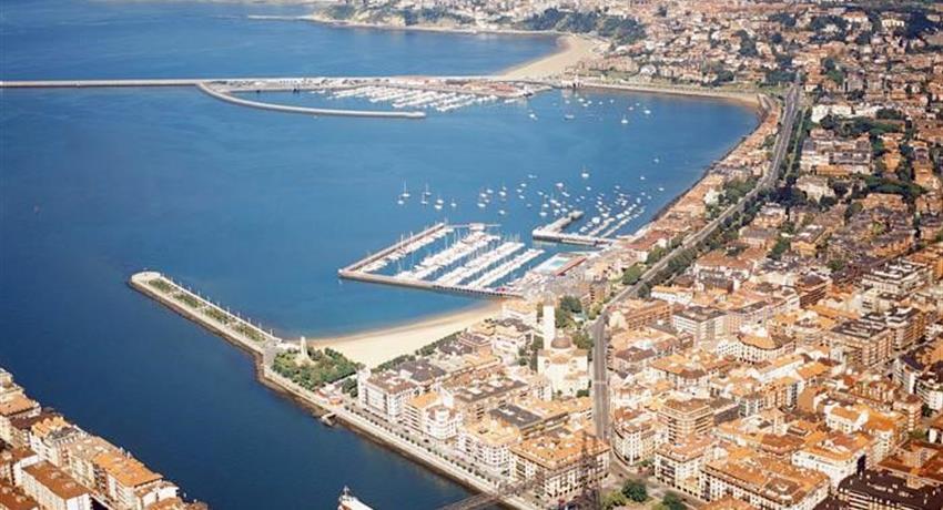 Puerto de Embarque Santurtzi en Bilbao, Recorrido Villa Bonita Costera en Santurtzi