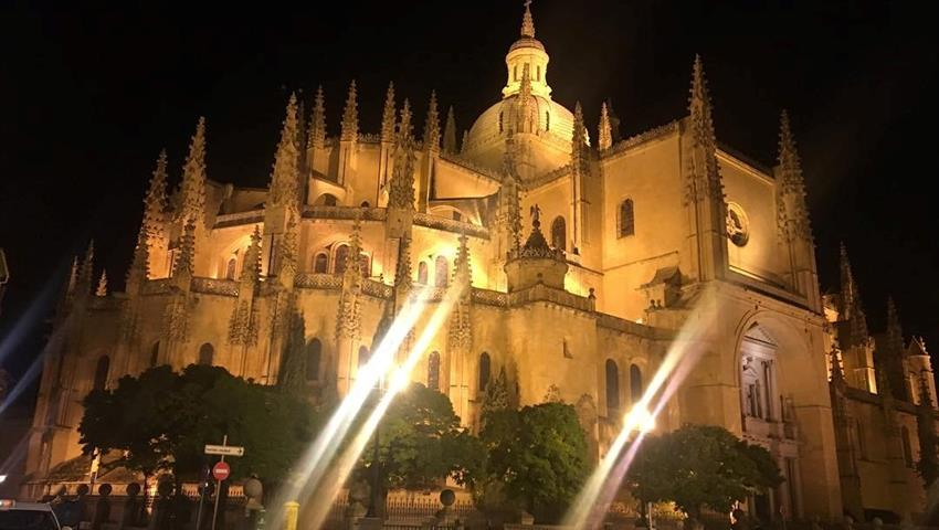 the marvelous Alcazar at night - tiqy, Segovia with a Small Group with a Glass of Wine in Your Hand