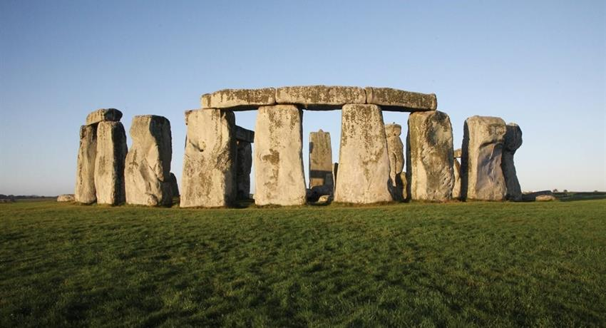 Access to stonehenge circle - TIQY 1, Special Access to Stonehenge Circle - Evening Tour