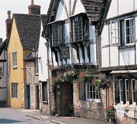 Stonehenge, Cotswold Village and Avebury Stone Circles., Sightseeing Tours in Bath, England