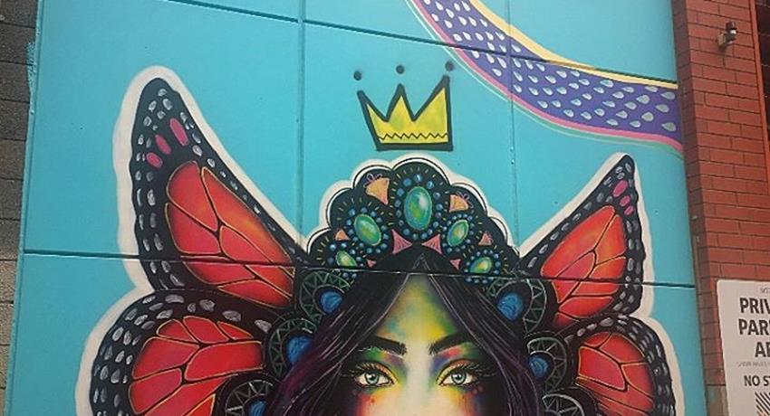 Street Art Walking Tour girl, Street Art Walking Tour