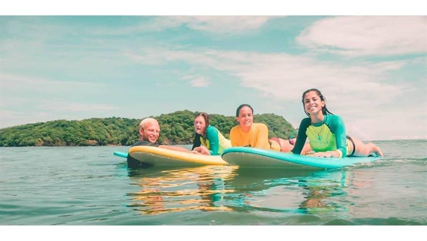 More surfer ladies, Surf Classes in Playa Venao