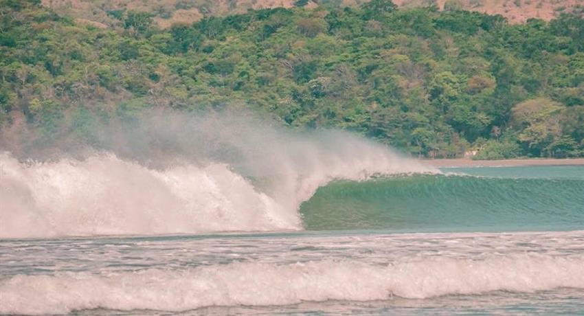 Beautiful wave, Surf Classes in Playa Venao