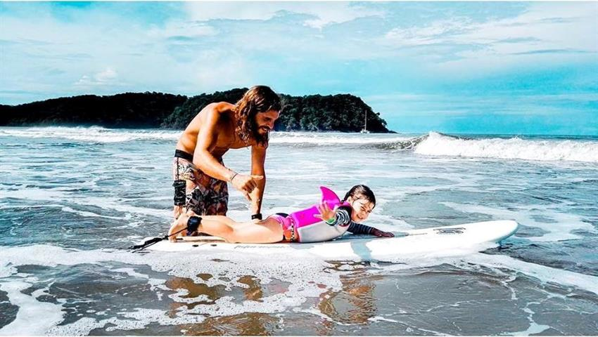 No age to hit the waves, Surf Classes in Playa Venao