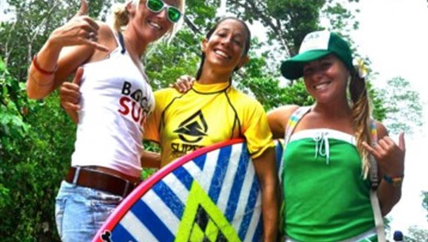 Team work, Surf Guiding Tour in Bocas del Toro