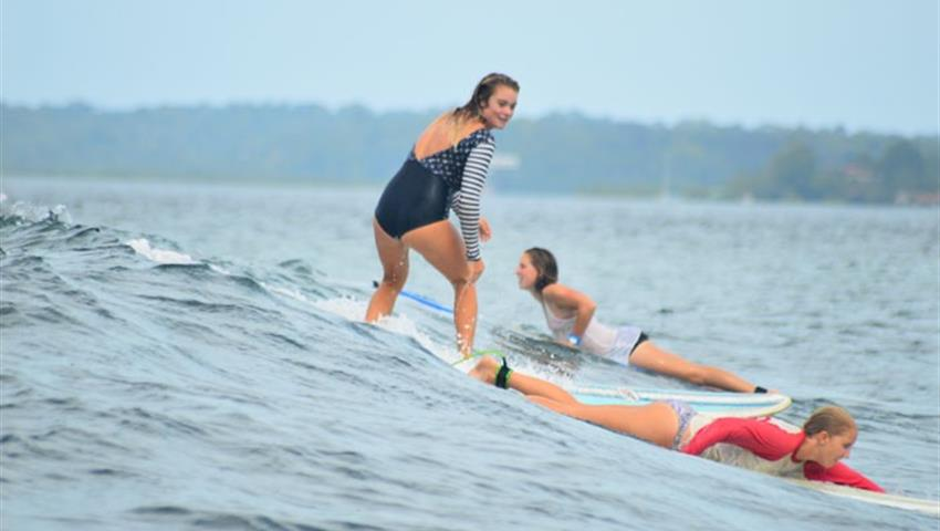Catching the wave, Surf Guiding Tour in Bocas del Toro