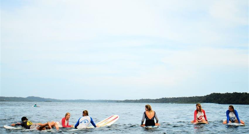 Getting ready, Surf Guiding Tour in Bocas del Toro