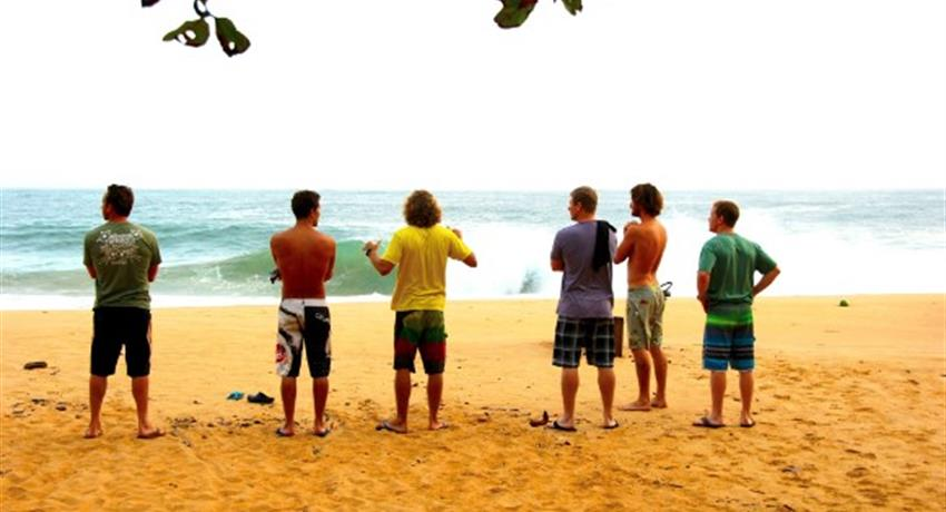 The Instructors and the students, Surf Lessons in Bocas del Toro