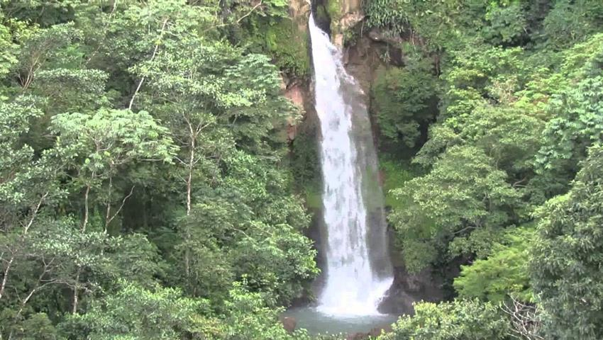 front view of the waterfall -tiqy, Tavida Waterfall Tour