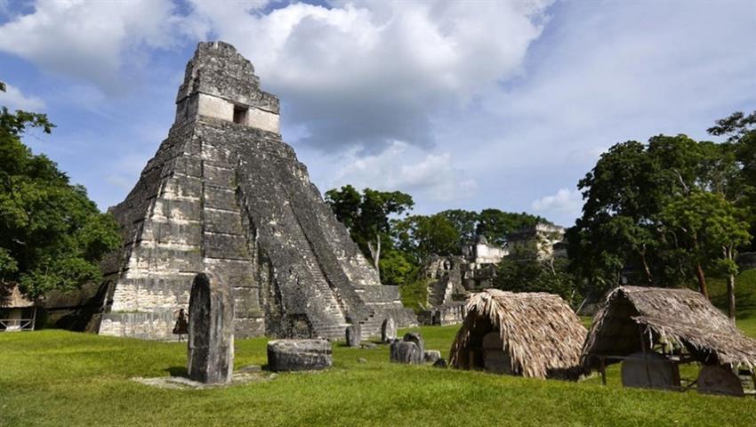 04, Recorrido Diario a Pie por Tikal