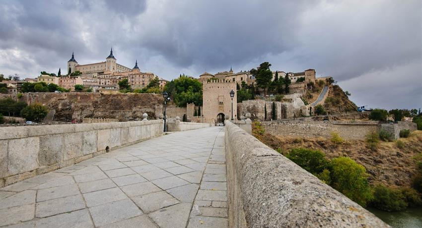 Streets of Toledo - Tiqy, Toledo and Centenary Winery