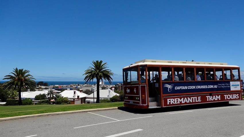 tram tiqy, Triple Tour