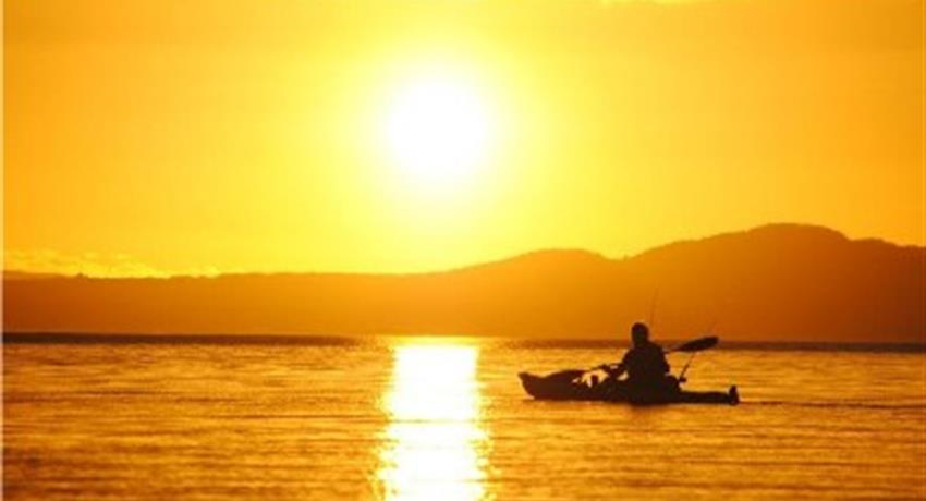 sunset tiqy, Twilight on the Lake Tour