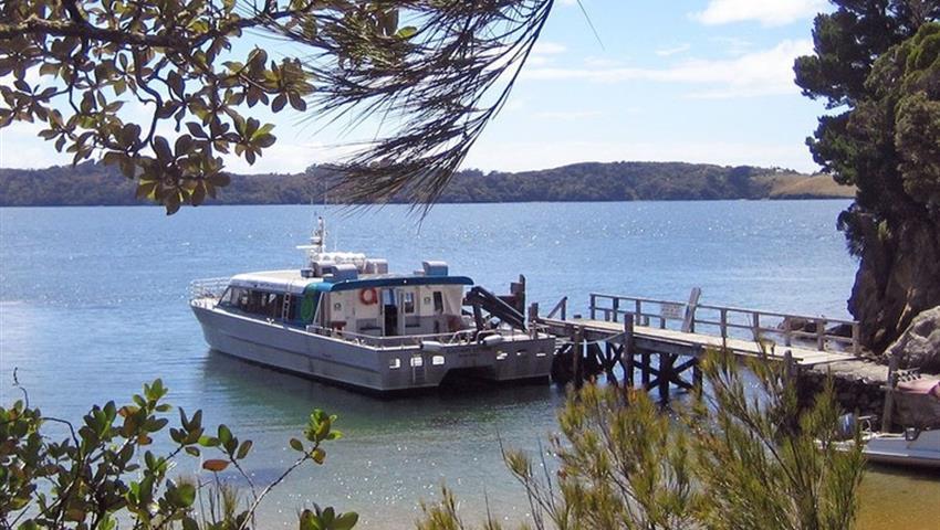boat tiqy, Ulva Island Explorer