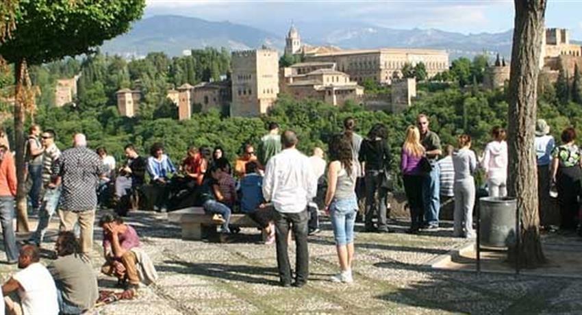 albaicin tiqy, Paseo por el Albaicín y el Centro de Granada