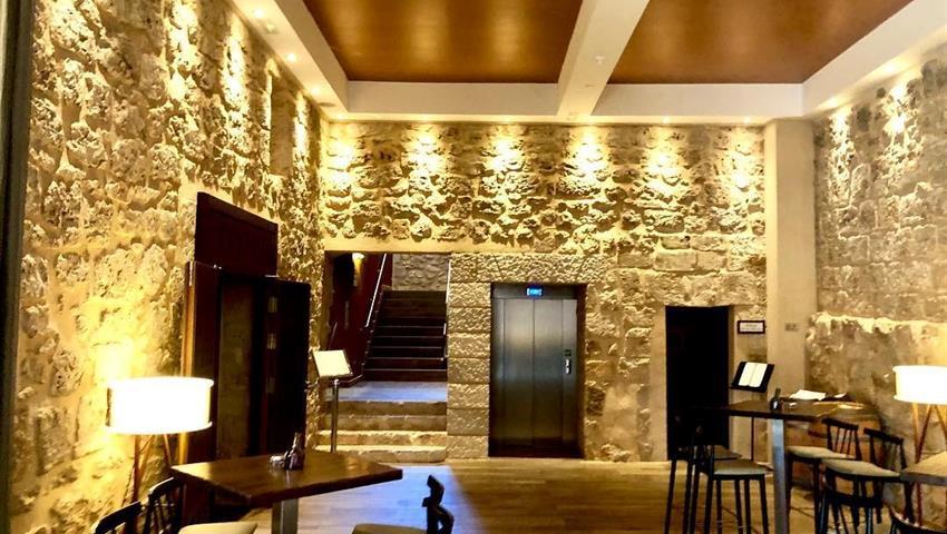 ancient abbey now a restaurant - tiqy, Tour de Vinos en Ribera del Duero